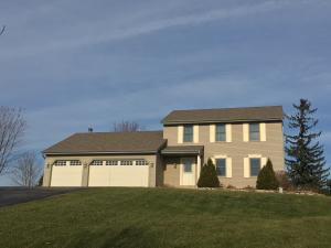 Property for sale at N93W27616 Quail Hollow Ct, Hartland,  WI 53029