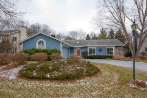 Property for sale at 505 Quinlan Dr, Pewaukee,  WI 53072
