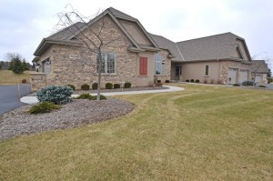 Property for sale at N35W23685 Auburn Ct, Pewaukee,  WI 53072