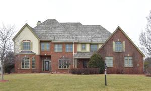 Property for sale at 1903 E Bristlecone Dr, Hartland,  WI 53029