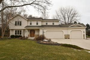 Property for sale at 563 Greenway Ter, Hartland,  WI 53029
