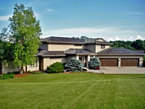 Property for sale at 2100 N Oakwoods Ct, Oconomowoc,  WI 53066