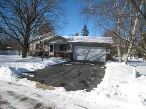 Property for sale at 774 Kingston Ct, Hartland,  WI 53029