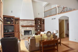 Property for sale at 1156 Four Winds Way, Hartland,  WI 53029