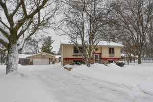 Property for sale at 163 Poplar Ct, Hartland,  WI 53029