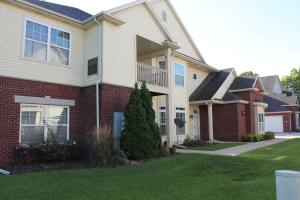 Property for sale at 585 Grandview Ct Unit: C, Pewaukee,  WI 53072