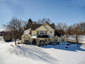 Property for sale at W263N2807 Coachman Dr, Pewaukee,  WI 53072