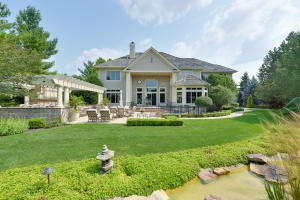 Property for sale at 603 N Thornbush Cir, Hartland,  Wisconsin 53029