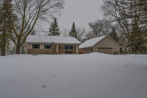 Property for sale at W275N1252 Spring Hill Dr, Pewaukee,  WI 53072