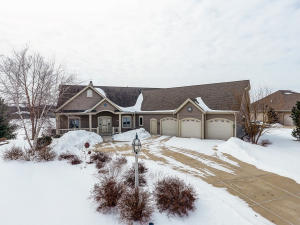 Property for sale at 387 Still Water Ct, Dousman,  WI 53118