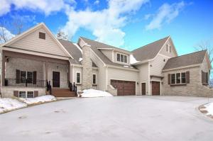 Property for sale at W300N2815 Maple Ave, Pewaukee,  WI 53072