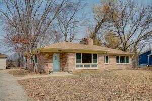 Property for sale at N56W34790 Lake Dr, Oconomowoc,  WI 53066