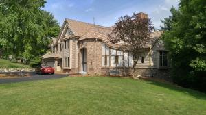 Property for sale at W298N6944 Ridgeview Ln, Hartland,  WI 53029