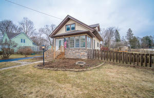 Property for sale at 508 Merton Ave, Hartland,  WI 53029