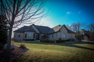 Property for sale at 588 Pond View Ct, Pewaukee,  WI 53072