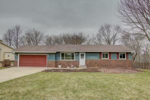 Property for sale at 1012 Chelsea Cir, Hartland,  WI 53029