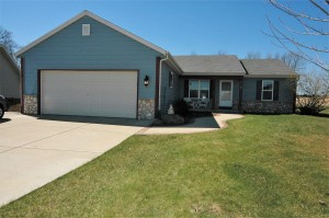 Property for sale at W1159 Waterlilly Dr, Ixonia,  WI 53036