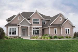 Property for sale at 3251 N Woodridge Cir, Pewaukee,  Wisconsin 53072
