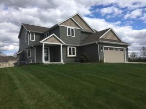 Property for sale at 142 Arnold Ct, Dousman,  WI 53118