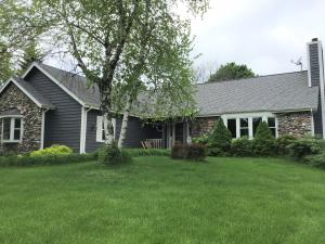Property for sale at N67W30854 Golf Rd, Hartland,  WI 53029