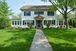 Property for sale at 115 Woodland Ln, Oconomowoc,  WI 53066