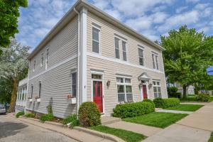 Property for sale at 216 N Lake Rd Unit: 218, Oconomowoc,  Wisconsin 53066