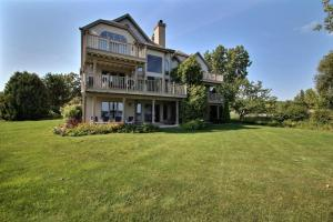 Property for sale at N24W30380 Crystal Springs Dr, Pewaukee,  Wisconsin 53072