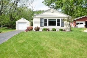 Property for sale at W297N2081 Glen Cove Rd, Pewaukee,  WI 53072