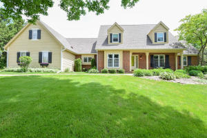 Property for sale at W303N6452 Irene Ln, Hartland,  WI 53029