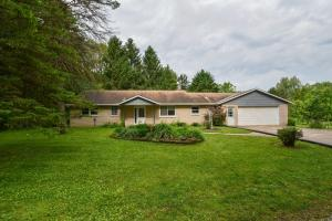 Property for sale at 4539 Vettelson Rd, Hartland,  WI 53029
