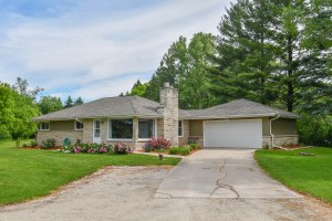 Property for sale at N45W24568 Lindsay Rd, Pewaukee,  WI 53072