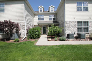 Property for sale at N16W26500 Meadowgrass Cir Unit: G, Pewaukee,  Wisconsin 53072