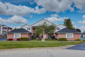 Property for sale at W241N2531 E Parkway Meadow Cir Unit: 8, Pewaukee,  WI 53072