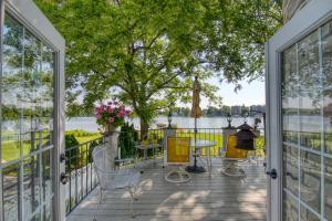 Property for sale at 259 Woodland Ln, Oconomowoc,  Wisconsin 53066