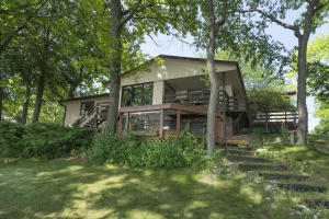 Property for sale at 904 Hawks Hollow, Delafield,  Wisconsin 53018