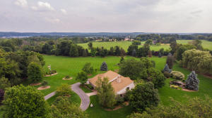 Property for sale at W324N8295 North Crest Dr, Hartland,  Wisconsin 53029