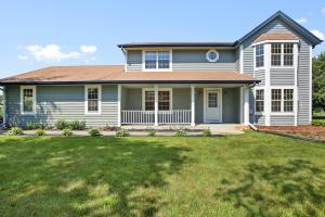 Property for sale at W275N7217 Glacier Pass, Hartland,  Wisconsin 53029