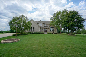 Property for sale at N66W35950 Farmstead Ct, Oconomowoc,  Wisconsin 53066