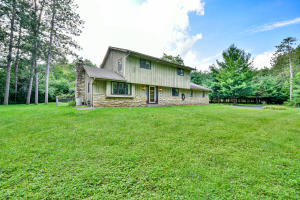 Property for sale at S42W34785 Big Oak Dr, Dousman,  Wisconsin 53118