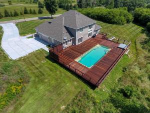 Property for sale at N87W35735 Mapleton Rd, Oconomowoc,  Wisconsin 53066