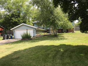 Property for sale at 663 Oxford Dr, Hartland,  Wisconsin 53029