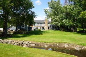 Property for sale at N74W32891 Reddelien Rd, Hartland,  Wisconsin 53029
