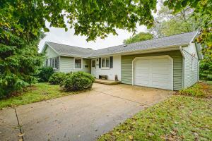Property for sale at 279 Hazel Ln, Hartland,  Wisconsin 53029