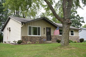 Property for sale at 143 Merton Ave, Hartland,  Wisconsin 53029