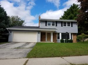 Property for sale at 404 Hartwood Ln, Hartland,  Wisconsin 53029