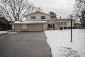 Property for sale at N27W26609 Lauderdale Dr, Pewaukee,  Wisconsin 53072