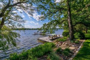 Property for sale at 6925 Wildwood Point Rd, Hartland,  Wisconsin 53029