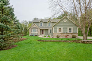 Property for sale at W280N8123 Black Diamond Ct, Hartland,  Wisconsin 53029