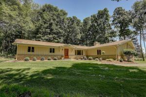 Property for sale at W306N6620 Deer Trl, Hartland,  Wisconsin 53029