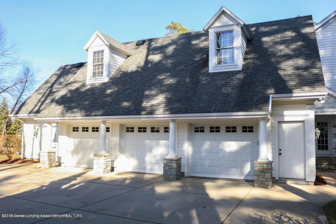6090 Standish Court, East Lansing, MI 48823, 5 Bedrooms Bedrooms, ,5 BathroomsBathrooms,Residential,For Sale,Standish,233976